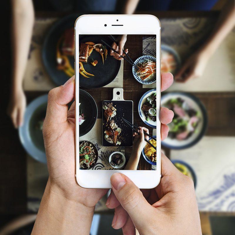 Phần mềm chụp ảnh quảng cáo trên điện thoại