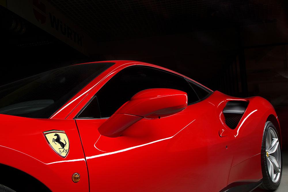 chụp ảnh quảng cáo thương hiệu xe Ferrari