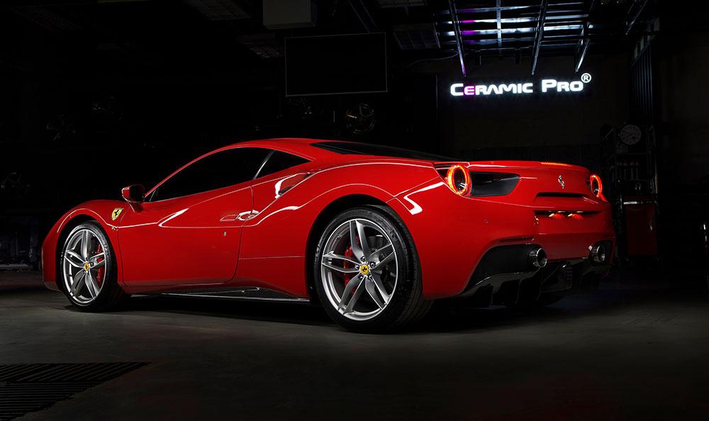 chuyên chụp ảnh quảng cáo thương hiệu xe Ferrari