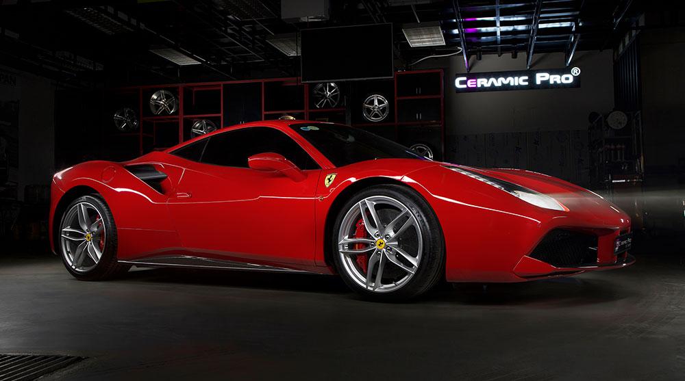 chụp ảnh quảng cáo thương hiệu xe Ferrari chất lượng